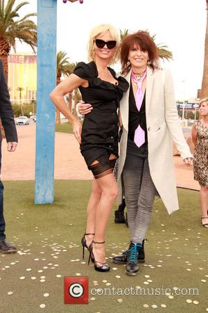 Pamela Anderson and Chrissie Hynde - Pamela Anderson and Chrissie Hynde give away Peta Leader at his gay wedding under...