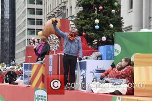 Lance Bass - Lance Bass headlines the 6ABC/Dunkin Donuts Philadelphia Thanksgiving Day Parade - Philadelphia, Pennsylvania, United States - Thursday...