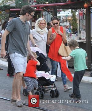 Minnie Driver, Son Henry, Mother Gaynor Churchyard and sister Kate - Minnie Driver goes shopping with her family on Black...