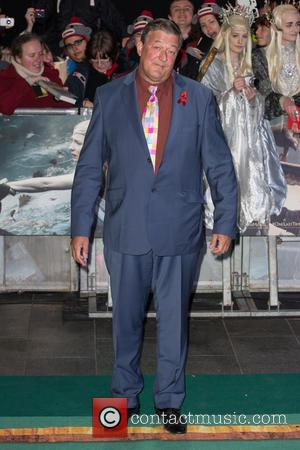 Stephen Fry - 'The Hobbit: The Battle of the Five Armies' world premiere - Arrivals at Odeon Leicester Square -...