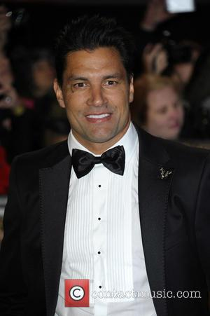 Manu Bennett - 'The Hobbit: The Battle of the Five Armies' world premiere - Arrivals at Odeon Leicester Square -...