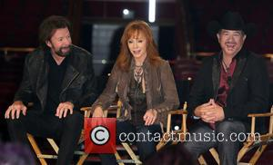 Reba Mcentire and Brooks & Dunn