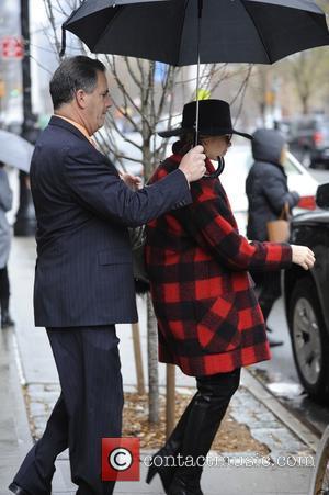 Eddie Cibrian and LeAnn Rimes - Eddie Cibrian and LeAnn Rimes leaving New York City - Manhattan, New York, United...