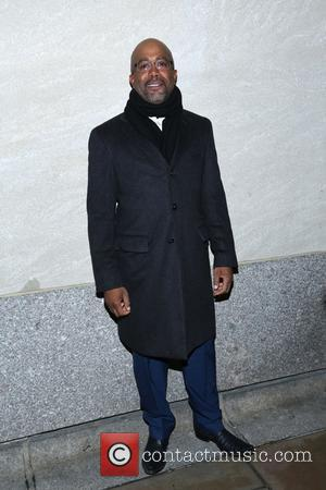 Darius Rucker - Shots of a variety of stars and the crowd at the 82nd Annual Rockefeller Christmas Tree Lighting...
