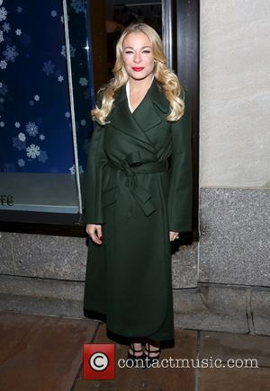 LeAnn Rimes - Shots of a variety of stars and the crowd at the 82nd Annual Rockefeller Christmas Tree Lighting...