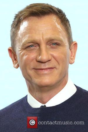 Daniel Craig Flown 3000 Miles From 'Spectre' Set To Undergo Knee Surgery