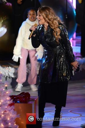 Nick Cannon And Mariah Carey Together For Christmas