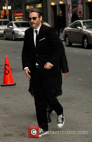 Joaquin Phoenix - Celebrities outside the Ed Sullivan Theater for 'Late Show with David Letterman' at Ed Sullivan Theater -...