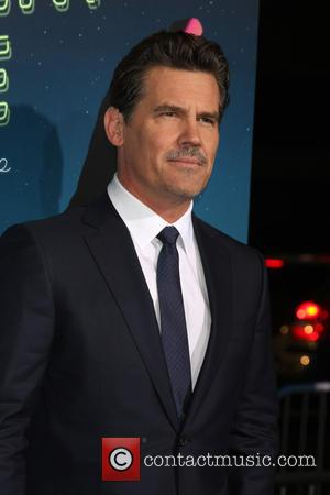 Josh Brolin - Inherent Vice LA Premiere at TCL Chinese Theater - Los Angeles, California, United States - Wednesday 10th...