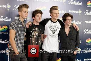 The Vamps Star Banned From Guitar After Undergoing Surgery