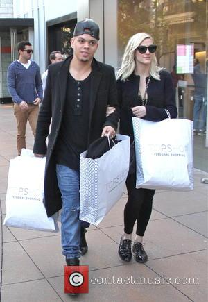 Ashlee Simpson And Husband Evan Ross Expecting First Child Together