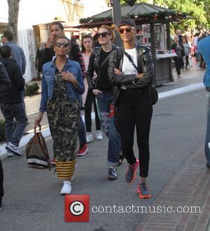 Icona Pop, Aino Jawo and Caroline Hjelt
