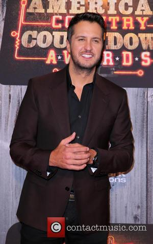 Luke Bryan Gives Emotional Speech About Brother-In-Law's Death At the American Country Countdown Awards