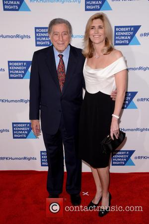 Tony Bennett and Susan Crow - Shots of a variety of stars as they arrived at the Robert F Kennedy...