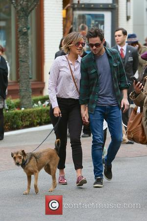 Ali Fedotowsky and Kevin Manno - E! News correspondent Ali Fedotowsky looking very tanned out Christmas shopping at The Grove...