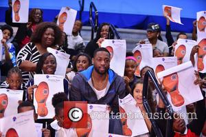Dwyane Wade - Dwyane Wade visits children with Wade's World Foundation during Holiday Season at Miami Children's Museum at Miami...