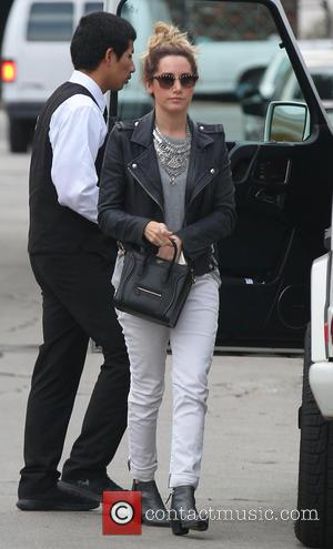 Ashley Tisdale - Ashley Tisdale takes her lunch to go on Melrose Place - Los Angeles, California, United States -...