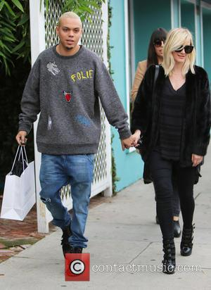 Ashlee Simpson And Evan Ross Seeking To Amend Last Names