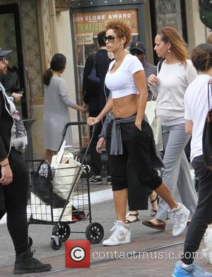 Nicole Murphy - Celebrities Christmas shopping at The Grove - Los Angeles, California, United States - Wednesday 24th December 2014
