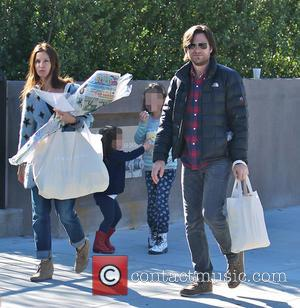 Jason Bateman, Amanda Anka, Francesca Bateman and Maple Bateman - Photo's of American actor Jason Bateman as he and his...