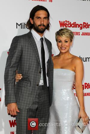 Ryan Sweeting and Kaley Cuoco-sweeting