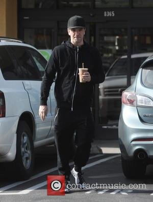 JC Chasez - Former N'SYNC member JC Chasez picks up a health drink at Earthbar in West Hollywood - West...