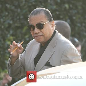 Billy Dee Williams - Billy Dee Williams raises a pencil in solidarity with Charlie Hebdo as he arrives at a...
