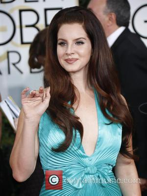 Lana Del Rey's 'Honeymoon' Beaten By Dave Gilmour In Chart Battle