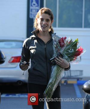 Ashley Greene - Ashley Greene picks up flowers with her groceries at Bristol Farms at Bristol Farms - Los Angeles,...