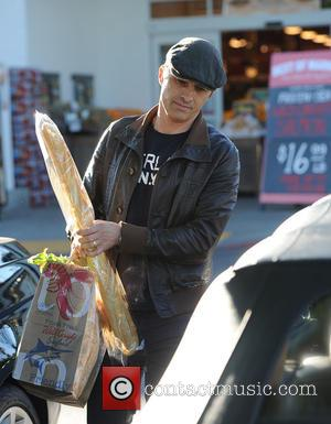 Olivier Martinez - Olivier Martinez goes shopping at Bristol Farms at Bristol Farms - Los Angeles, California, United States -...