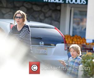 Sarah Chalke and Charlie Rhodes Afifi - 'How I Met Your Mother' star Sarah Chalke goes grocery shopping at Whole...