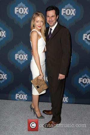 Jennifer Finnigan and Jonathan Silverman