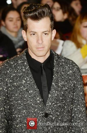 Mark Ronson Takes 'Uptown Funk' To Number One For It's Seventh Week