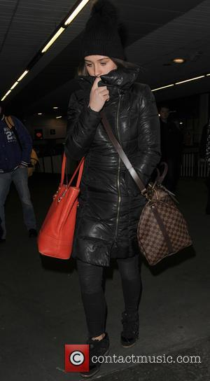 Brooke Vincent - Brooke Vincent, Michael Le Vell and Georgia May Foote arrive at Euston Station - London, United Kingdom...