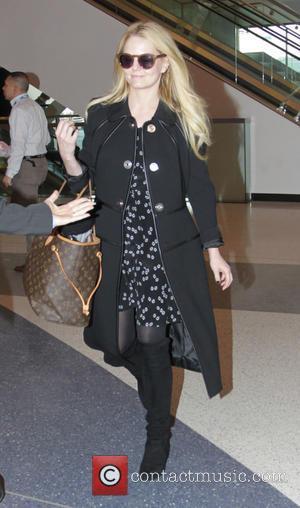 Jennifer Morrison - Jennifer Morrison departs from Los Angeles International Airport (LAX) - Los Angeles, California, United States - Thursday...