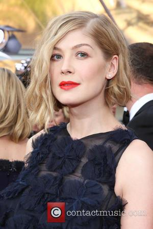 Rosamund Pike - 21st Annual Screen Actors Guild Awards - Arrivals at Shrine Auditorium, Screen Actors Guild - Los Angeles,...