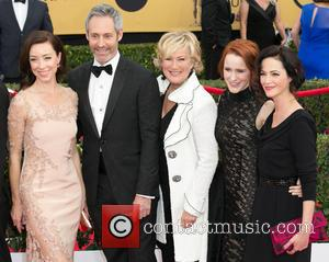 Molly Parker, Michael Gill, Jayne Atkinson, Rachel Brosnahan and Joanna Going