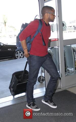 Dulé Hill - The West Wing star, Dulé Hill departs from Los Angeles International Airport (LAX) - Los Angeles, California,...