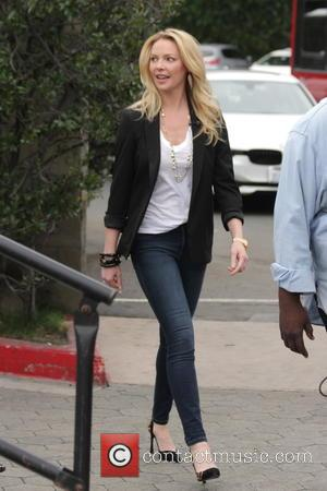Katherine Heigl - Katherine Heigl makes appearance on Extra TV Show at Universal City Walk. - Los Angeles, California, United...