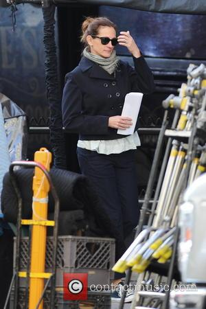 Julia Roberts - Actress Julia Roberts looking casual as she arrives on the set of her new movie 'The Secret...