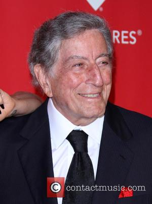 Tony Bennett And Ne-yo Salute Frank Sinatra At Tribeca Film Festival Celebration