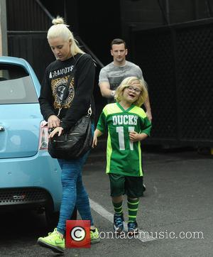 Zuma Rossdale , Mindy Mann - EXCLUSIVE Gwen Stefani's son Zuma Rossdale spotted leaving Umami Burger with his nanny -...