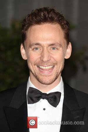 Watch Tom Hiddleston Impersonate Robert De Niro In Front Of Robert De Niro