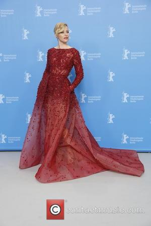 Elizabeth Banks - 65th Berlin International Film Festival (Berlinale) - 'Love & Mercy' - Photocall at Hotel Hyatt - Berlin,...