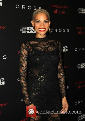 Tears On My Pillow Video Goapele Contactmusic Com