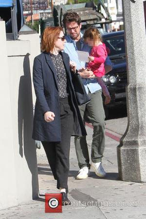 Alyson Hannigan, Alexis Denisof and Keeva Denisof - Alyson Hannigan goes shopping with her husband Alexis and daughter Keeva in...