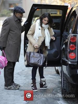 Bethenny Frankel - Bethenny Frankel picks up her daughter from school - New York City, New York, United States -...