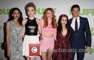 Bianca Santos, Skyler Samuels, Bella Thorne, Mae Whitman and Robbie Amell