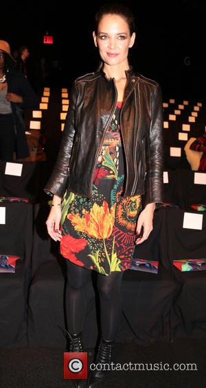Katie Holmes - Mercedes-Benz Fashion Week Fall 2015 - Desigual - Front Row - New York, New York, United States...