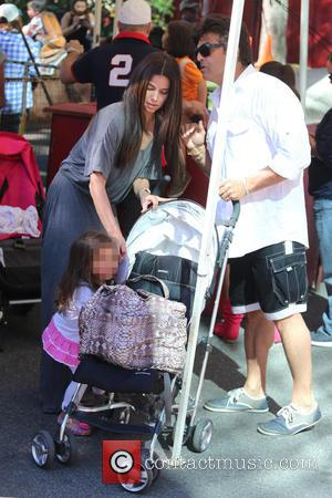 Roselyn Sánchez, Sebella Rose Winter and Erik Estrada - Roselyn Sánchez takes her daughter, Sebella Rose to the Farmers Market...